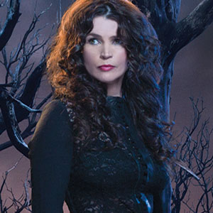Julia Ormond as Joanna Beauchamp