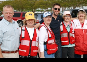 Drew Fuller &amp  Terry Serpico of &quot Army Wives&quot  Lend a Hand to the Red Cross